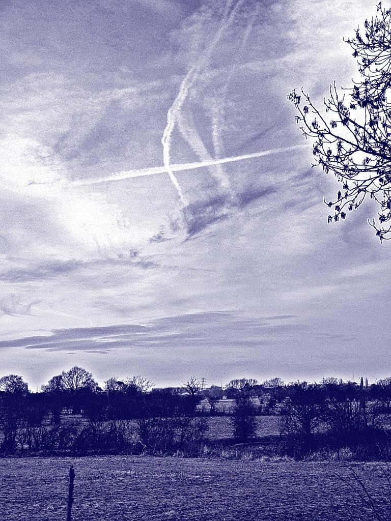 Morning blues (or 'Ayeup') by sabresun