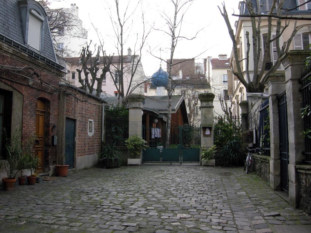 Paris secret by parisouailleurs