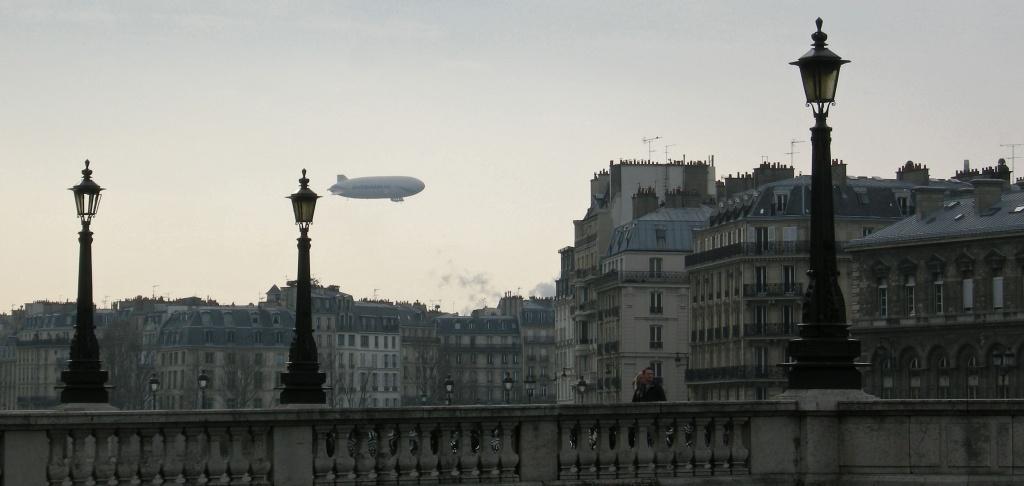Still in Paris's sky by parisouailleurs