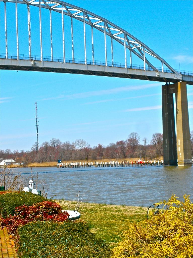 Bridge over steady waters. by kdrinkie