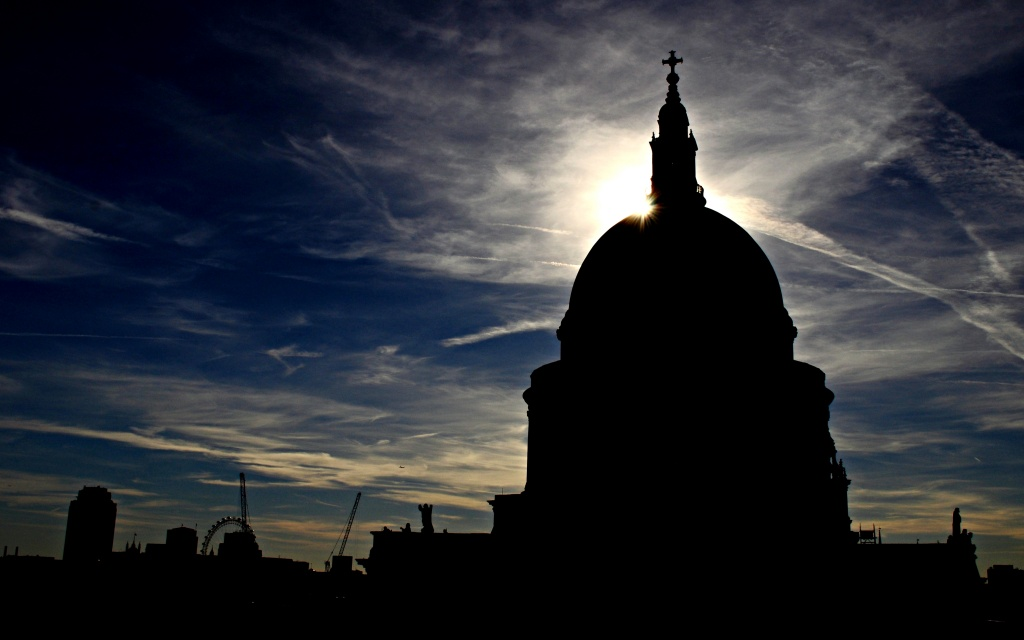 Silhouette of St Paul's by andycoleborn