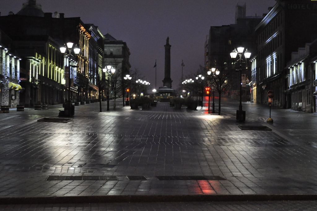 Cold Night in Old Montreal by dora