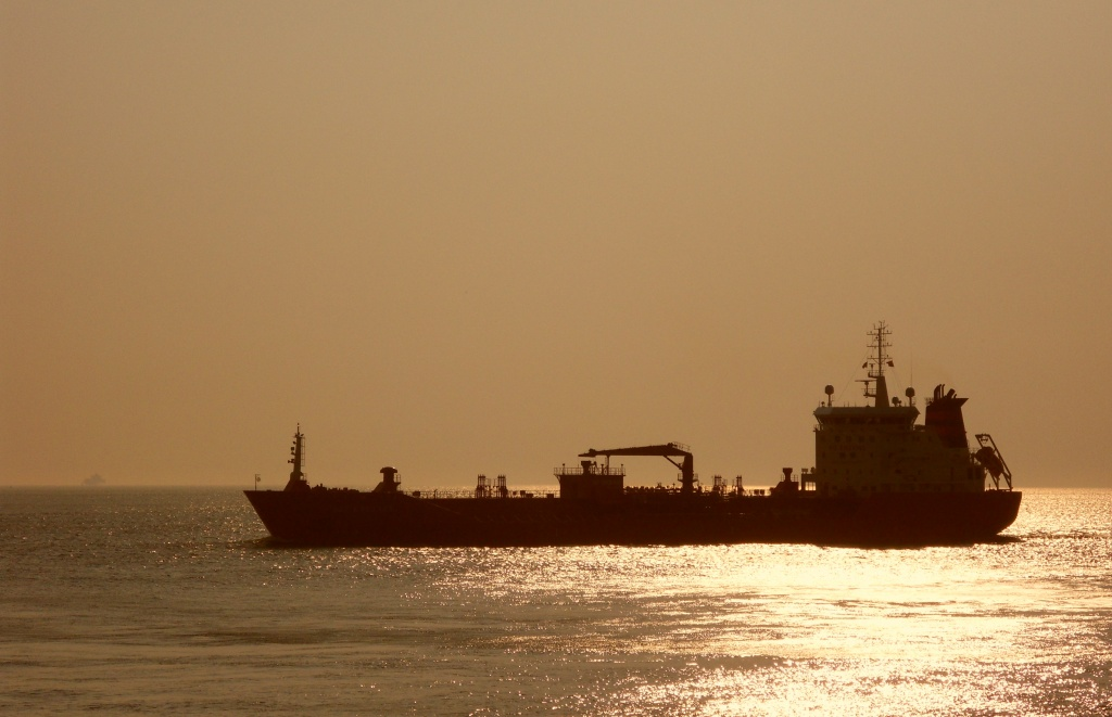 Ship by berend