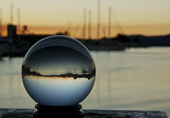 Crystal Ball Gazing by bella_ss