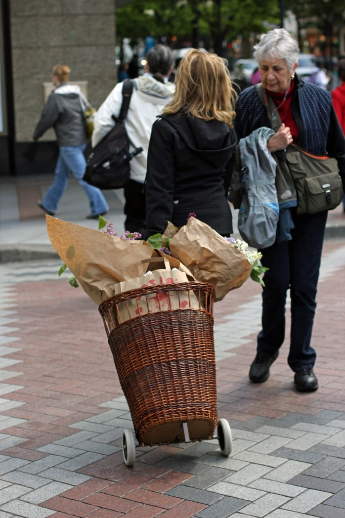 Market Shopping-Powered By People! by seattle