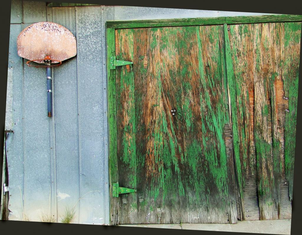 hoop and door by aikimomm