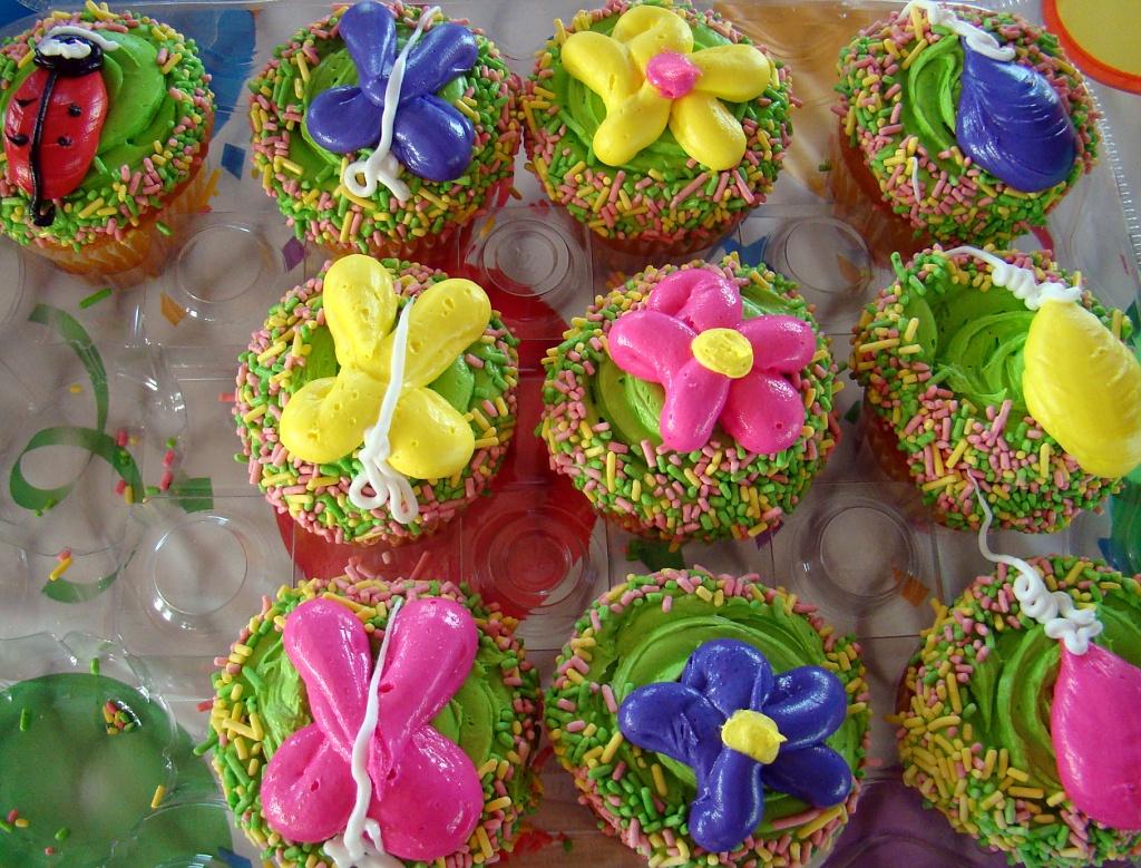 10 Birthday Cupcakes by dmrams