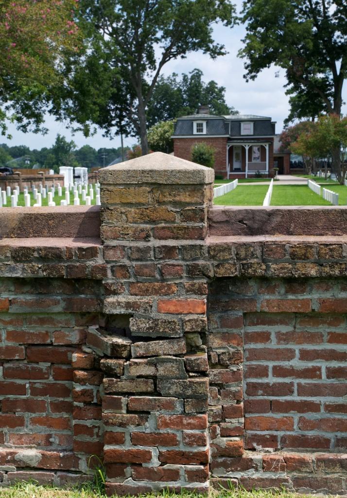 Port Hudson National Cemetery by eudora