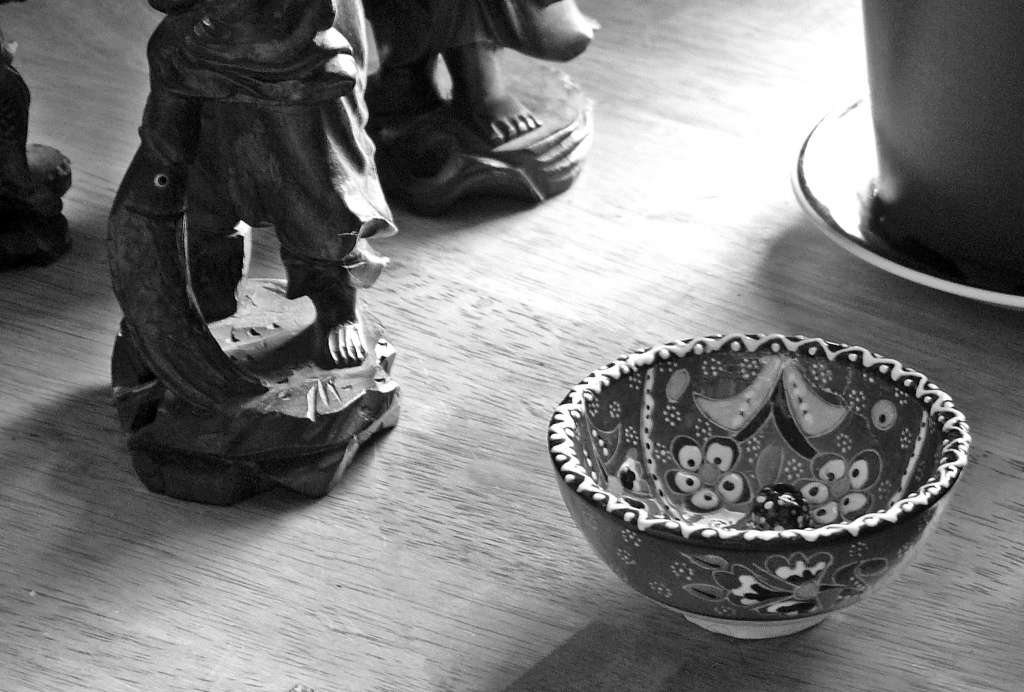 Feet, bowl and bead by sabresun