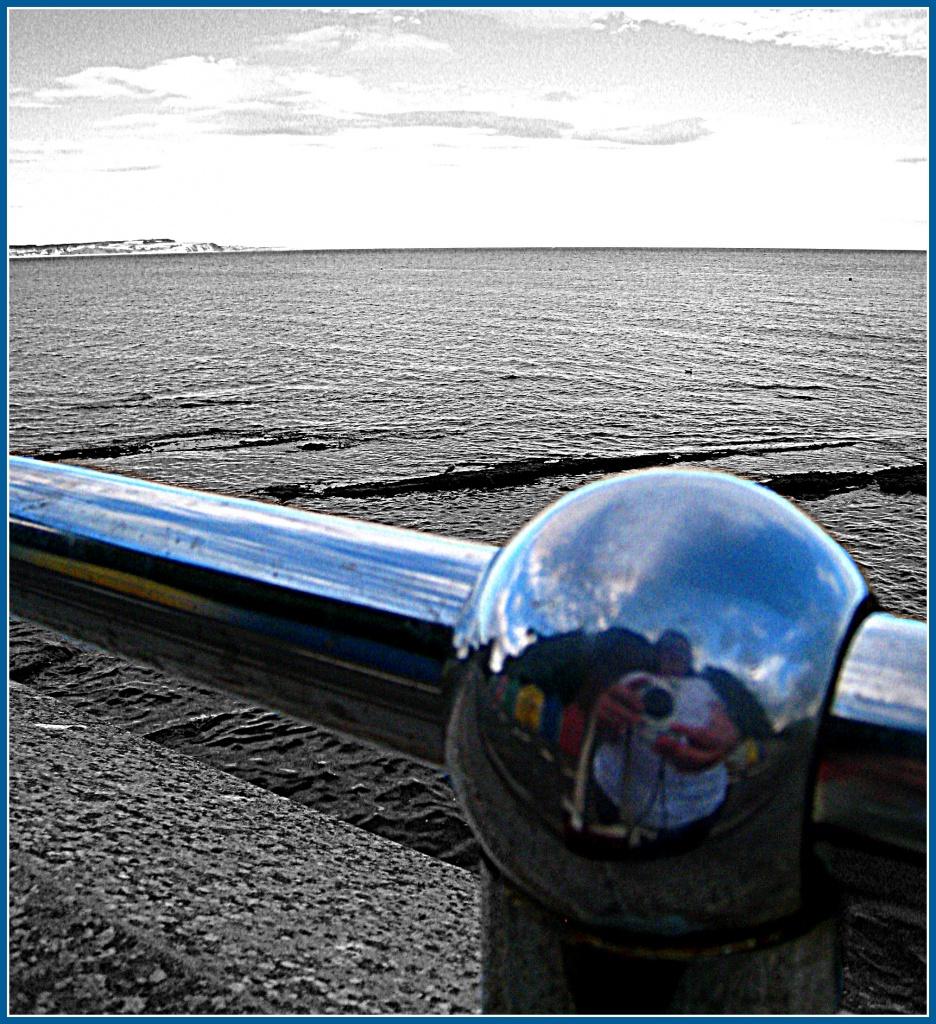 Railing, Dawlish sea front - HappyAugust#3 by sarahhorsfall