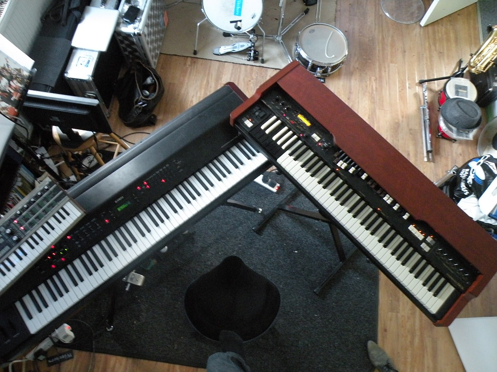 Keyboards by manek43509
