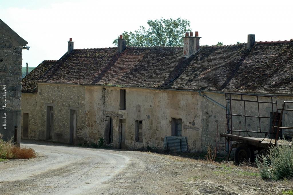 old farm by parisouailleurs