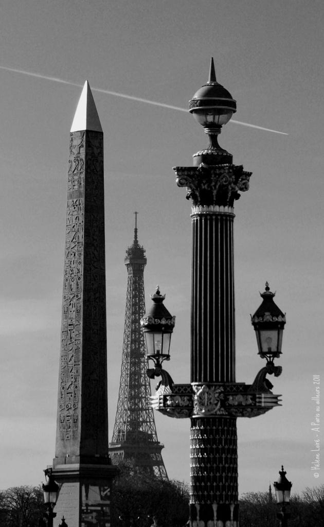 Hide & seek Eiffel Tower #11 by parisouailleurs