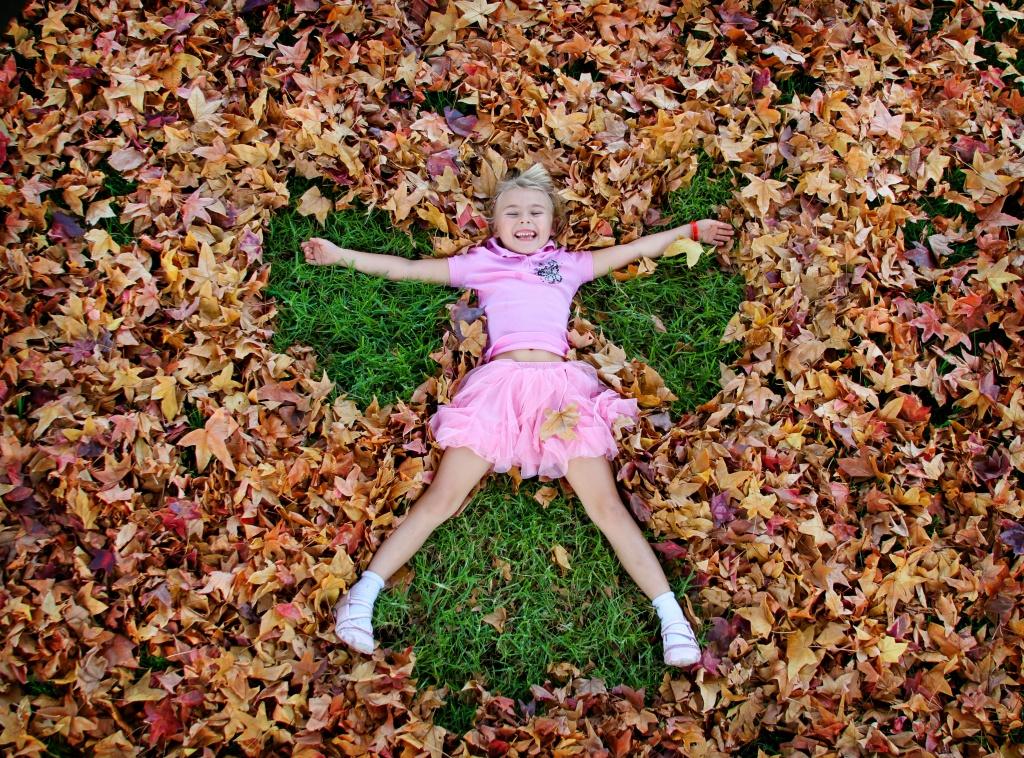 Autumn Angel   by orangecrush