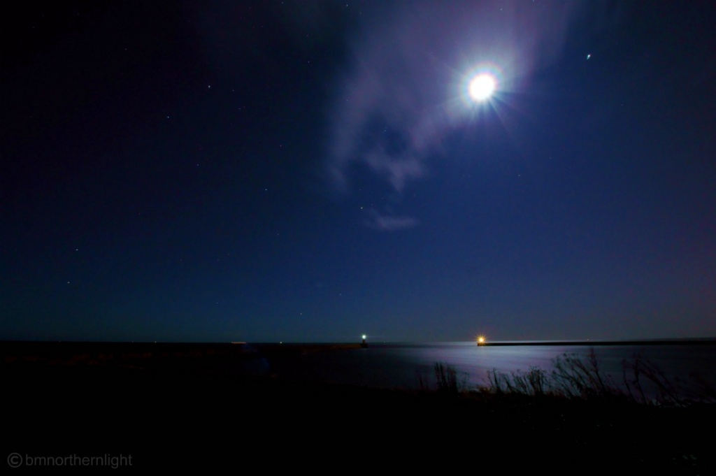 Shoot the moon and miss completely... by bmnorthernlight