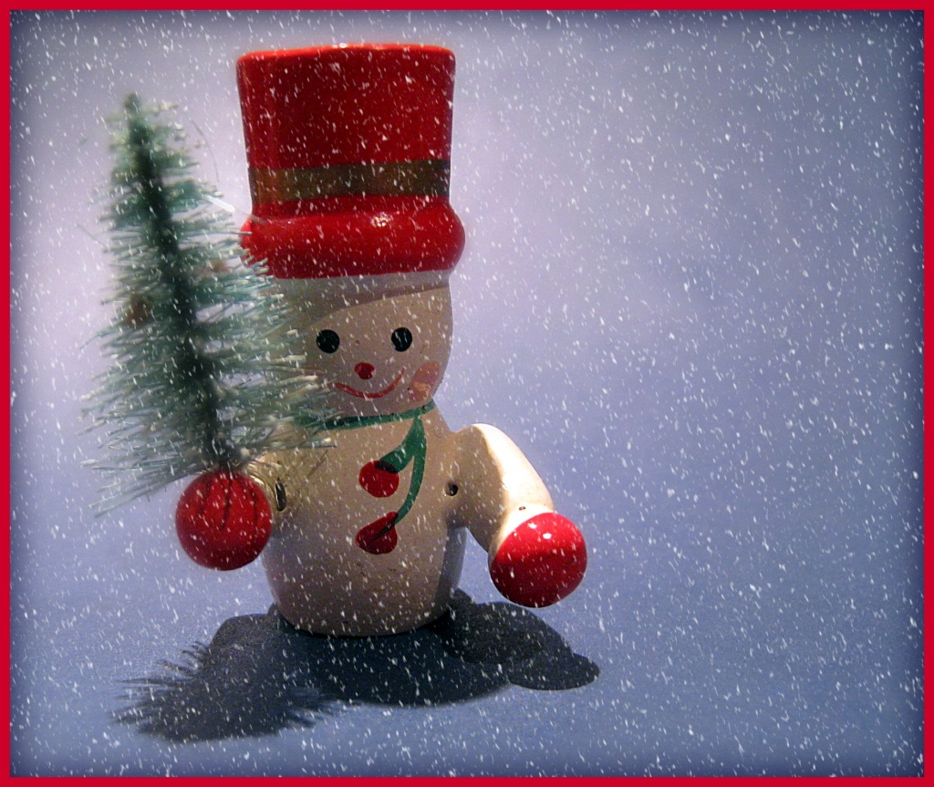 Teeny tiny snowman by sarahhorsfall