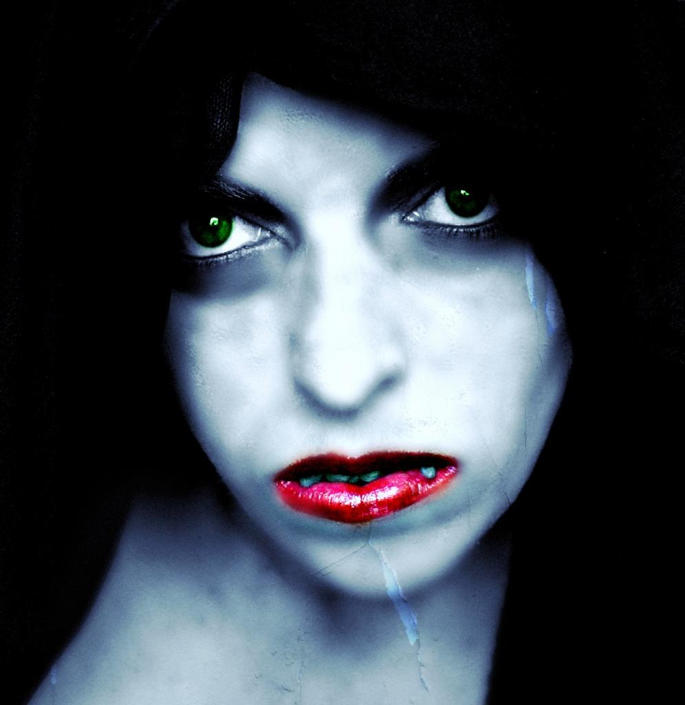 Vamp (2/5) by tabbycat