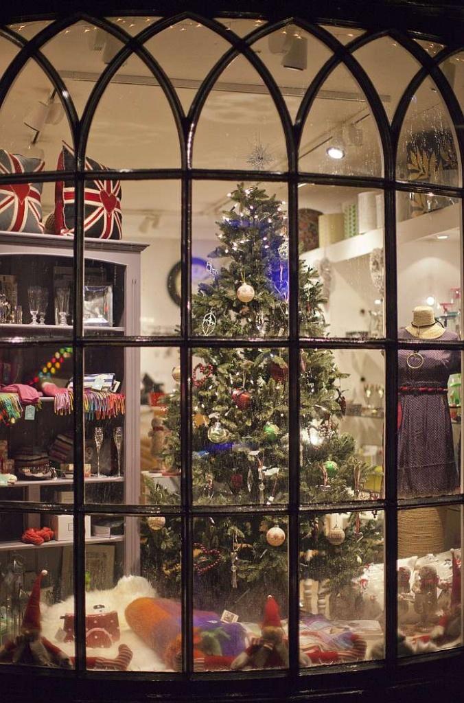 Christmas Shop Window by netkonnexion