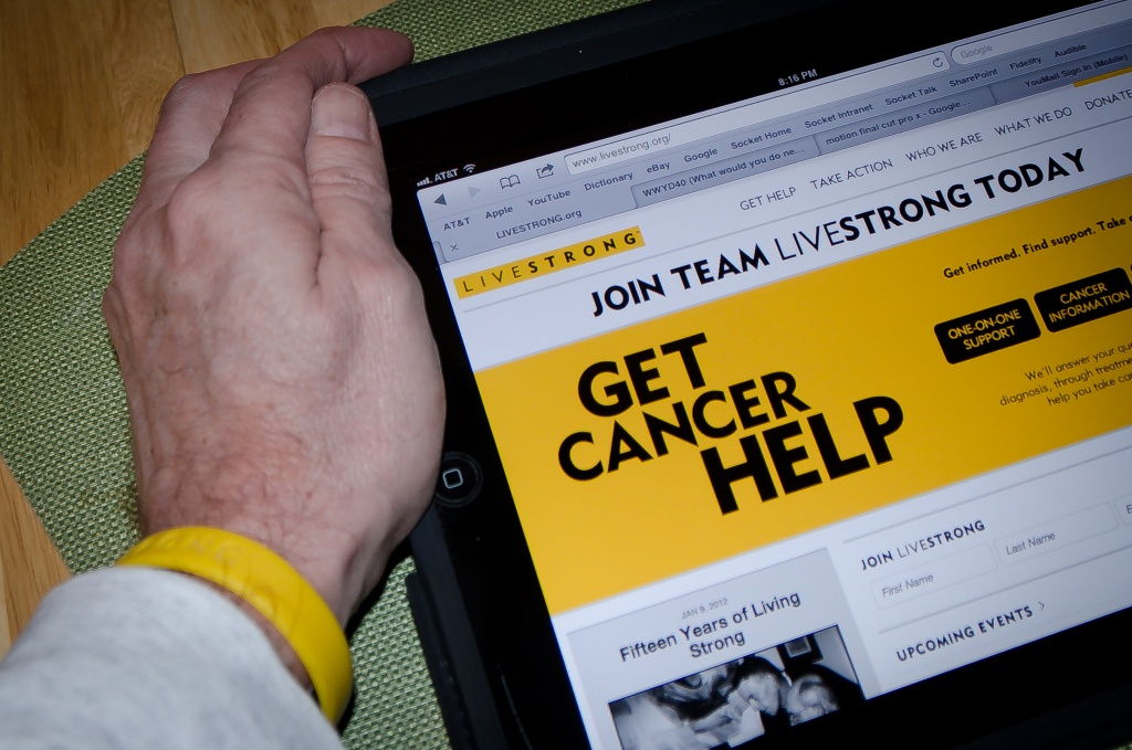 Jan9-1 Yellow = LiveStrong! by mikegifford