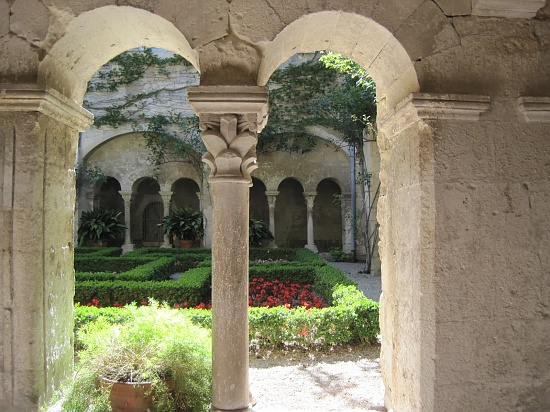Cloister of Monastère-St-Paul-de-Mausole....  by quietpurplehaze