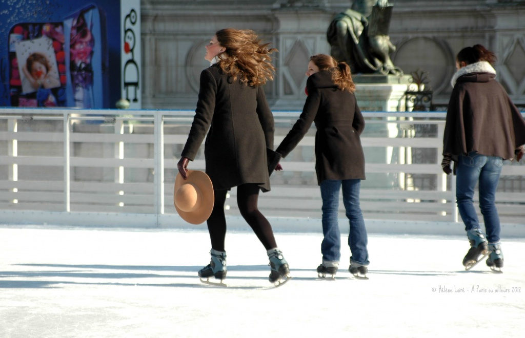 Ice skating in front of the City Hall by parisouailleurs