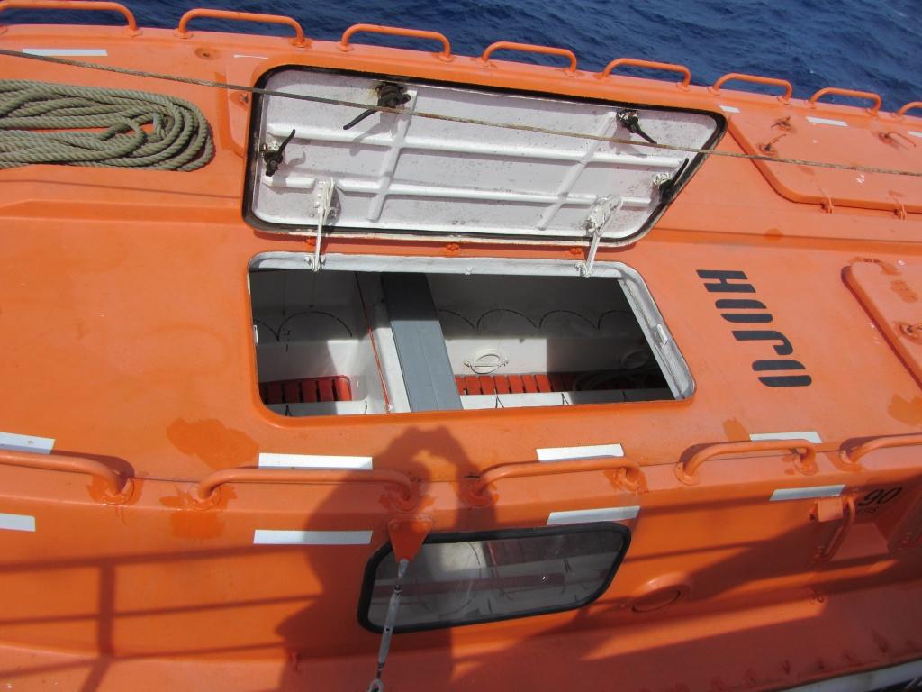 Kristina Katarina - Life boat IMG_1202  by annelis