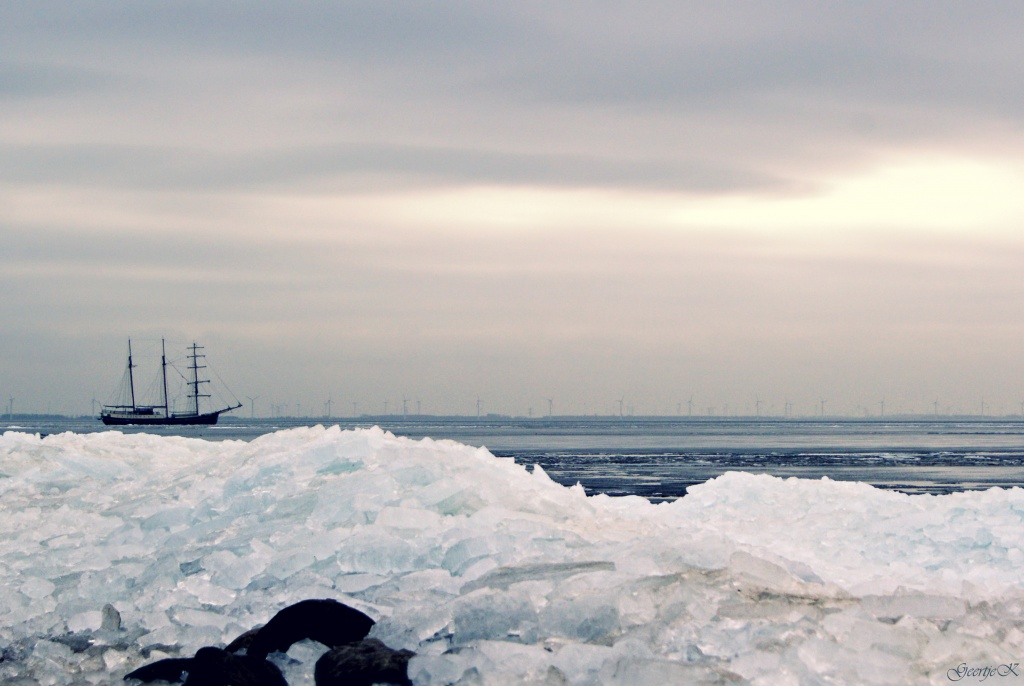 Sailing to the North-pole?!? by geertje