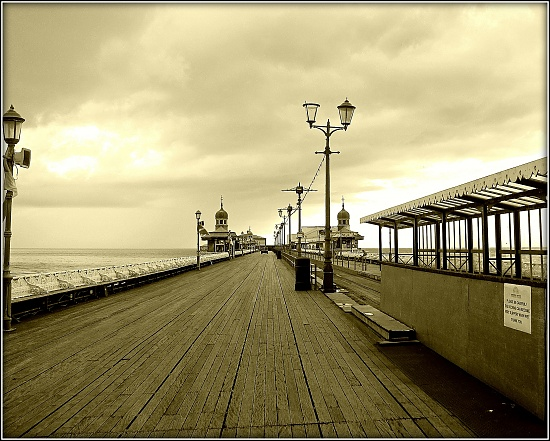 North Pier. Blackpool. by happypat