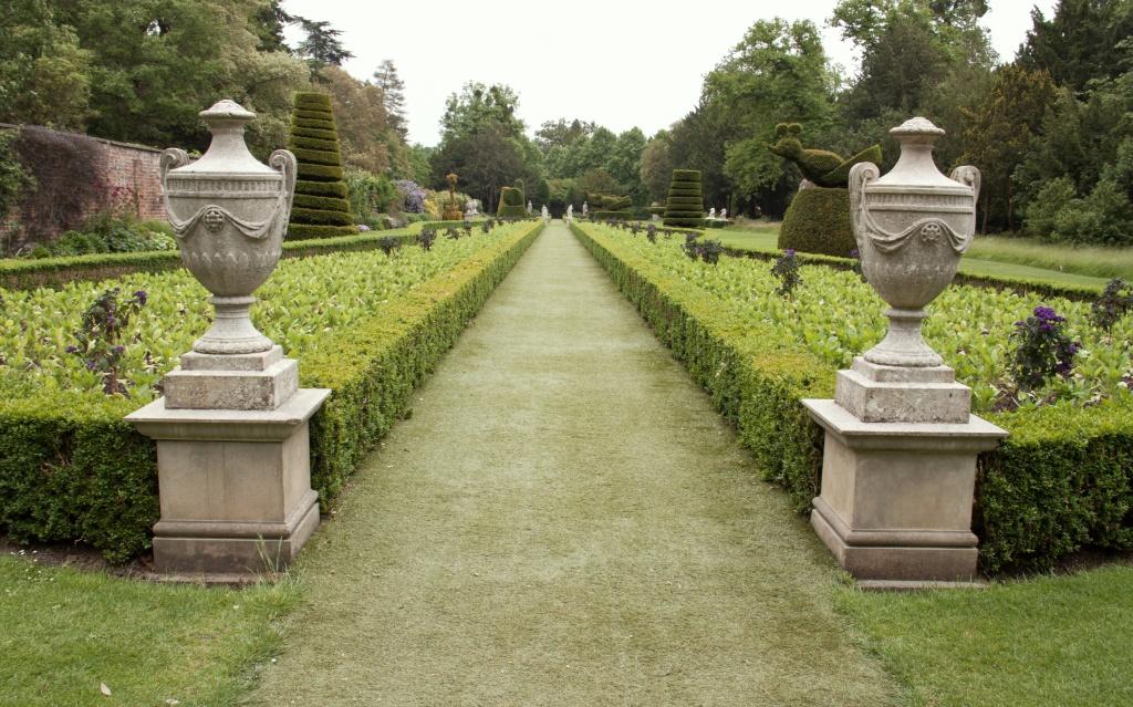The Long Garden, Cliveden by dulciknit