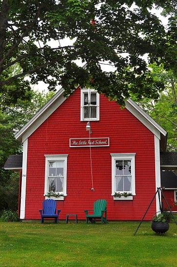 The Little Red Schoolhouse by Weezilou