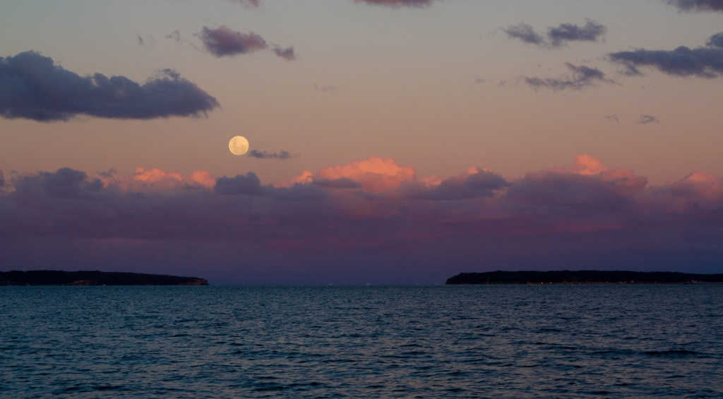 Moonrise by abhijit