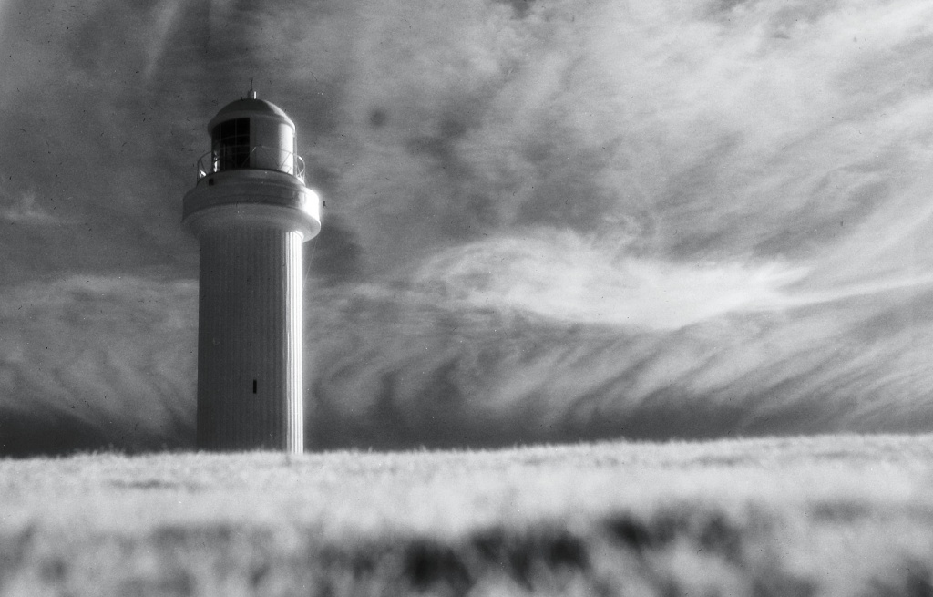 Infrared lighthouse by peterdegraaff