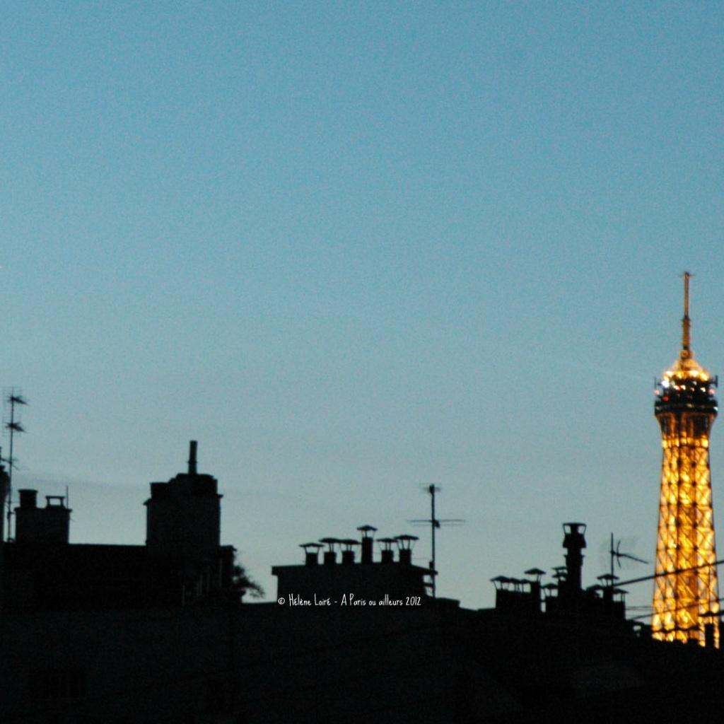 Paris, 9.23pm by parisouailleurs