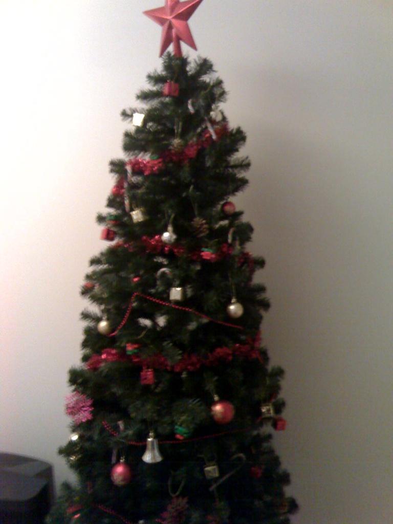 XMas Tree by Scrivna