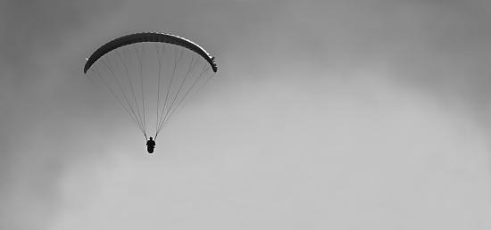 Paraglider - Black & White by netkonnexion