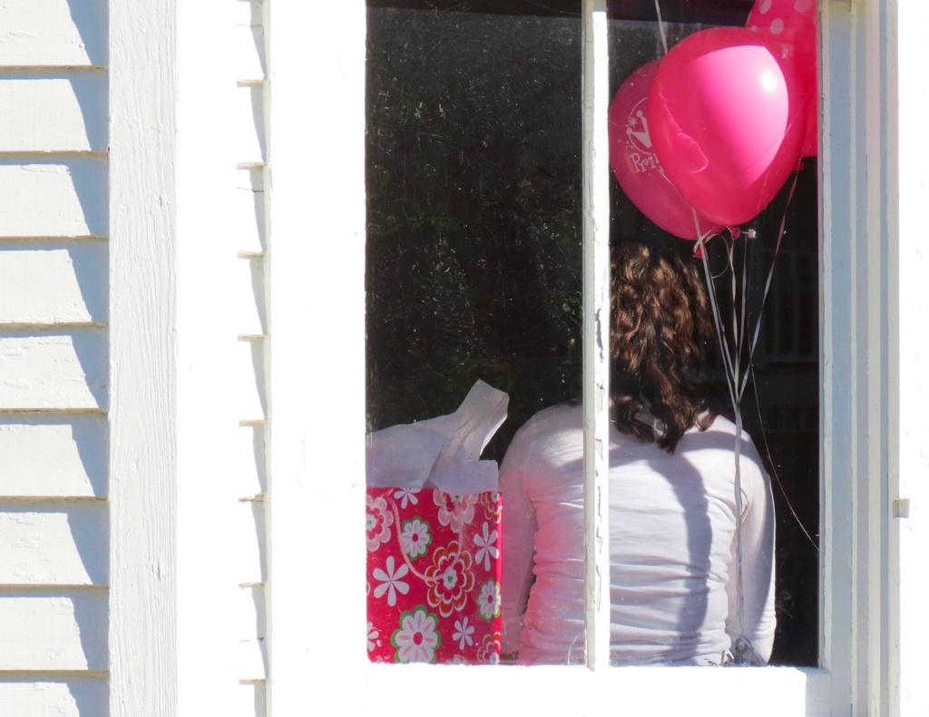 Pink Present by grammyn