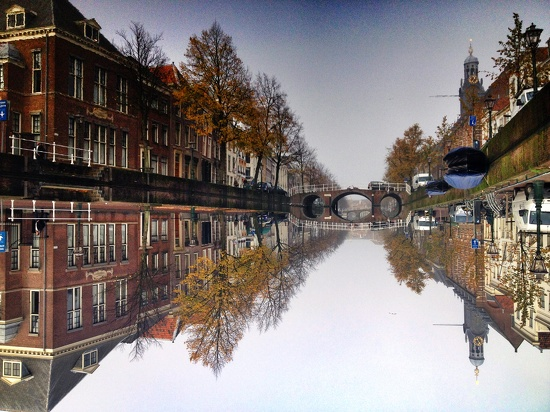 Flipped canal (II) by halkia