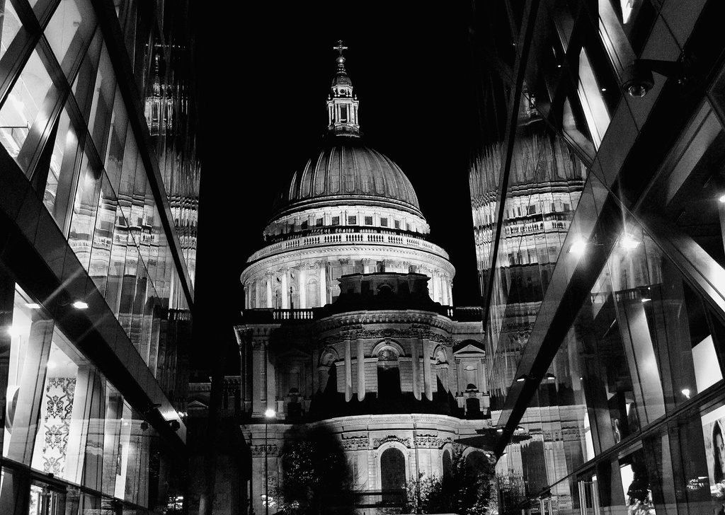 Many sides of St Paul's  by johnnyfrs