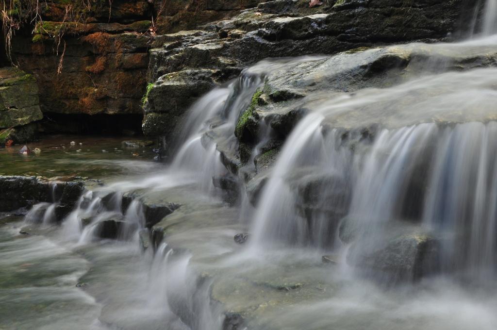 Waterfall #2 by jayberg