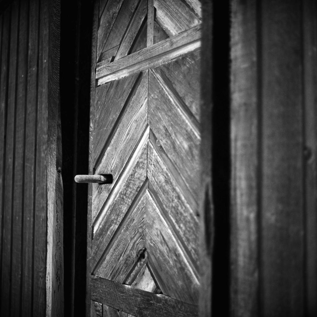 The Studio Door by grizzlysghost