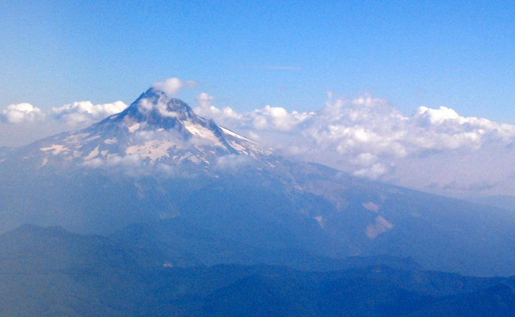 Mt. Hood from my airplane window by kareenking