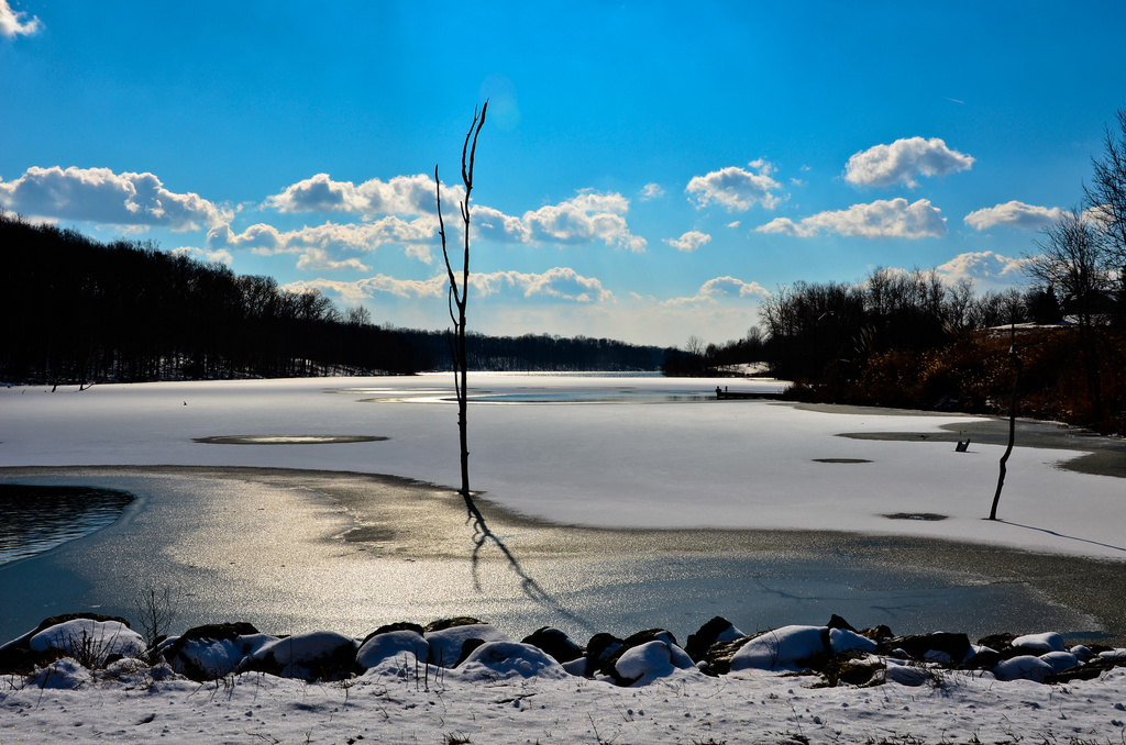 As the Lake Freezes Over by lesip