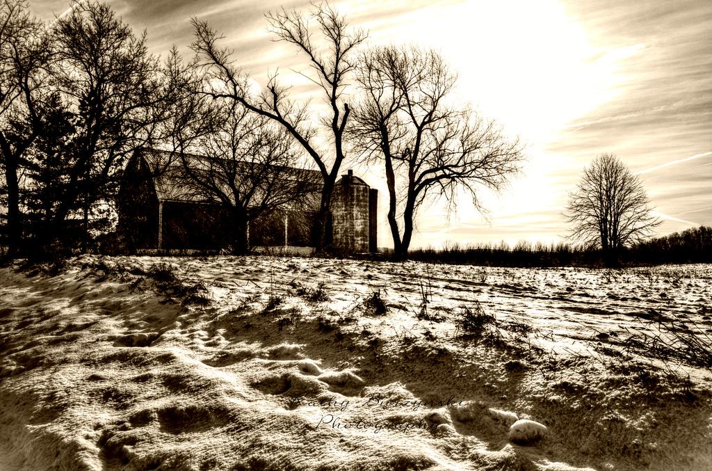 Barn in the snow by myhrhelper