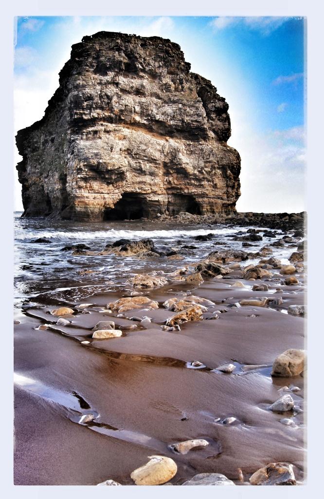 Marsden Rock by jesperani