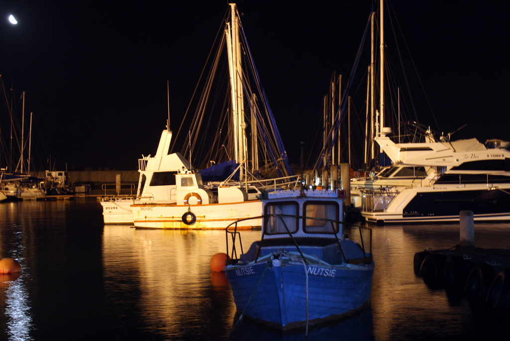 2013 02 17 Harbour at Night by kwiksilver