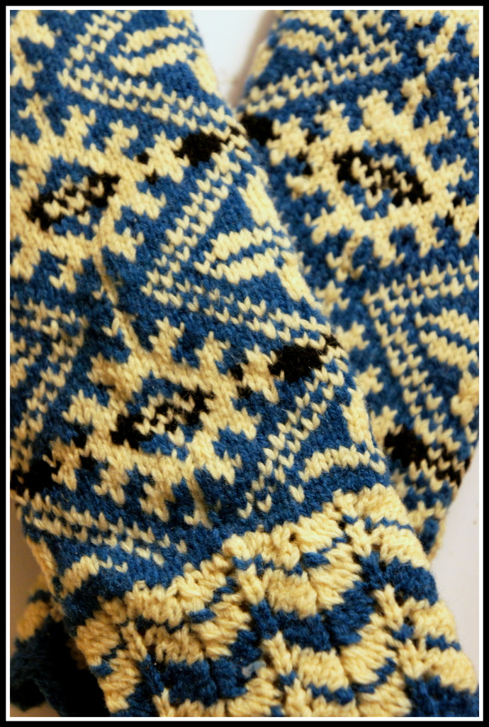 Nordic mittens and drama in the kitchen by boxplayer
