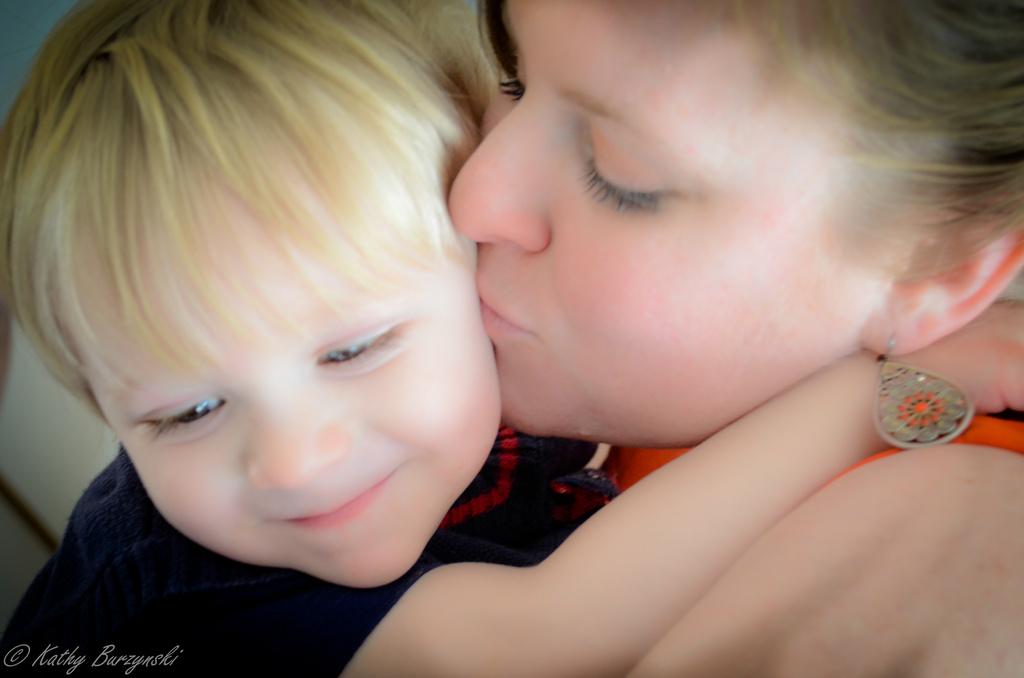 Mothers Love by myhrhelper