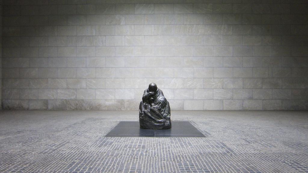 Käthe Kollwitz's Pietà by jyokota