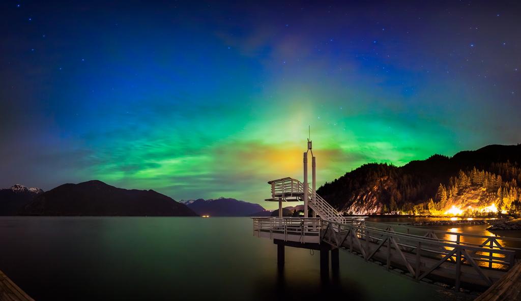 Aurora Borealis at Porteau Cove by abirkill
