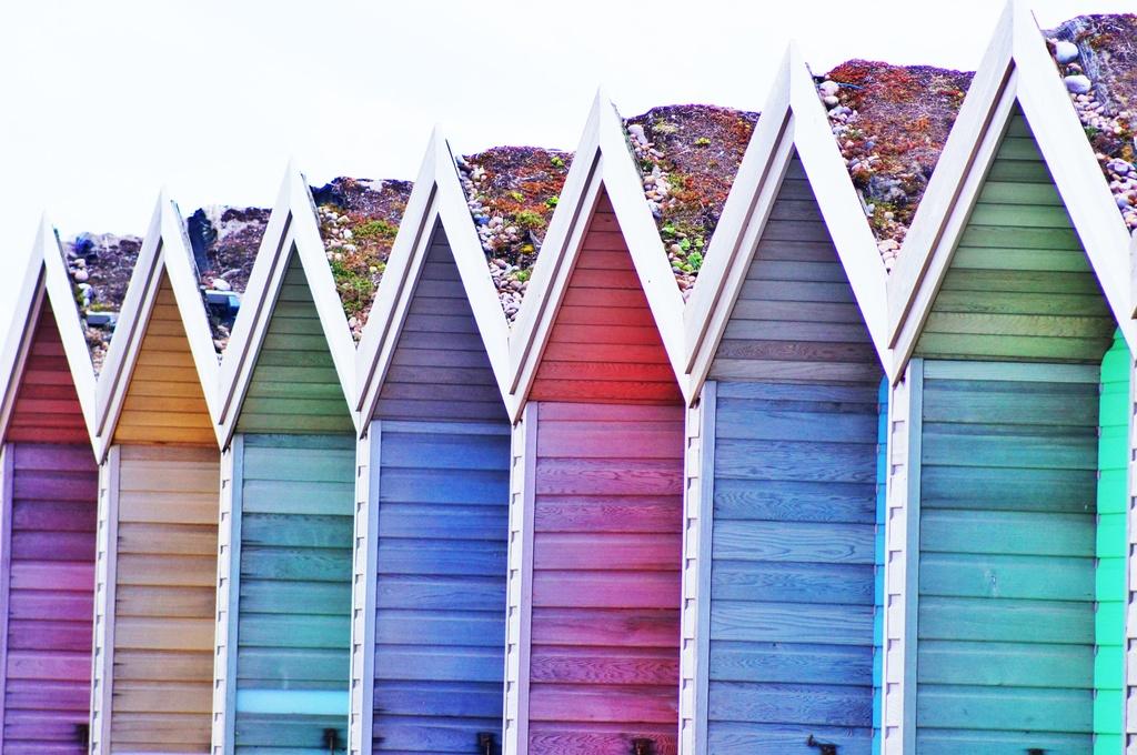 Beach Hut Rainbow by jesperani